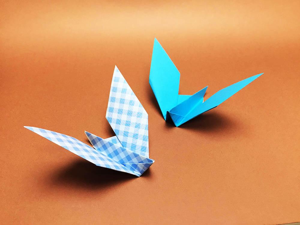 折り紙で折った伝書鳩