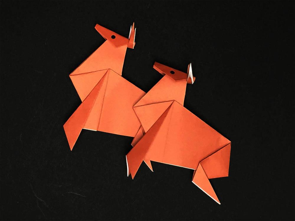 折り紙で折ったトナカイ
