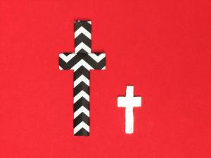 折り紙で折った十字架