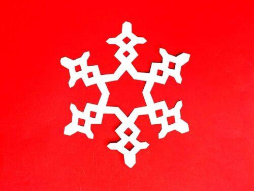 折り紙で作った雪の結晶