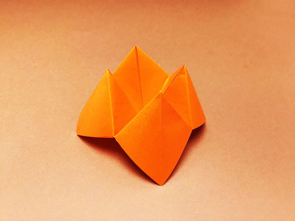 折り紙で折ったぱっくんちょ