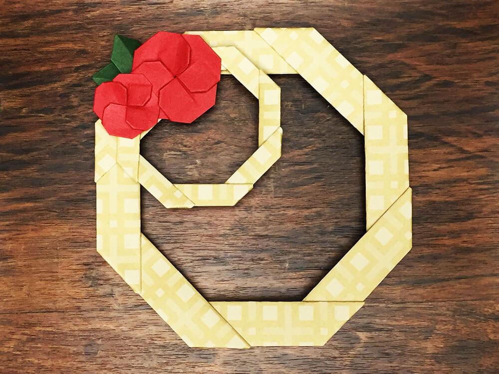折り紙で折ったお正月リース