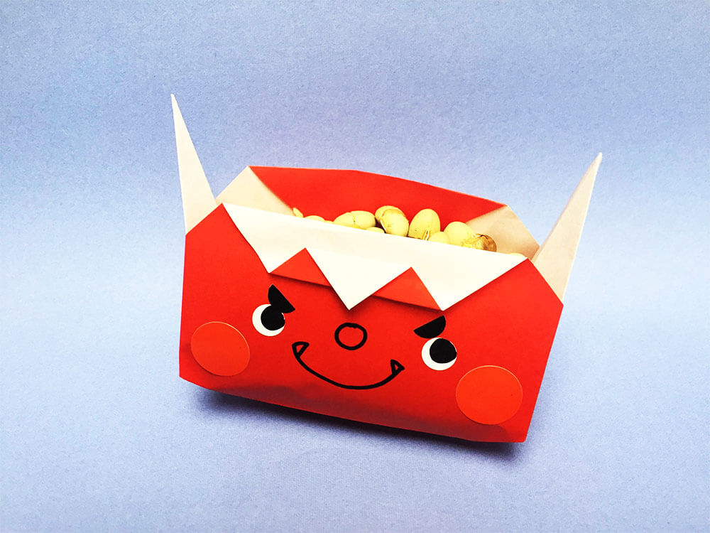 折り紙で折った鬼の豆入れ