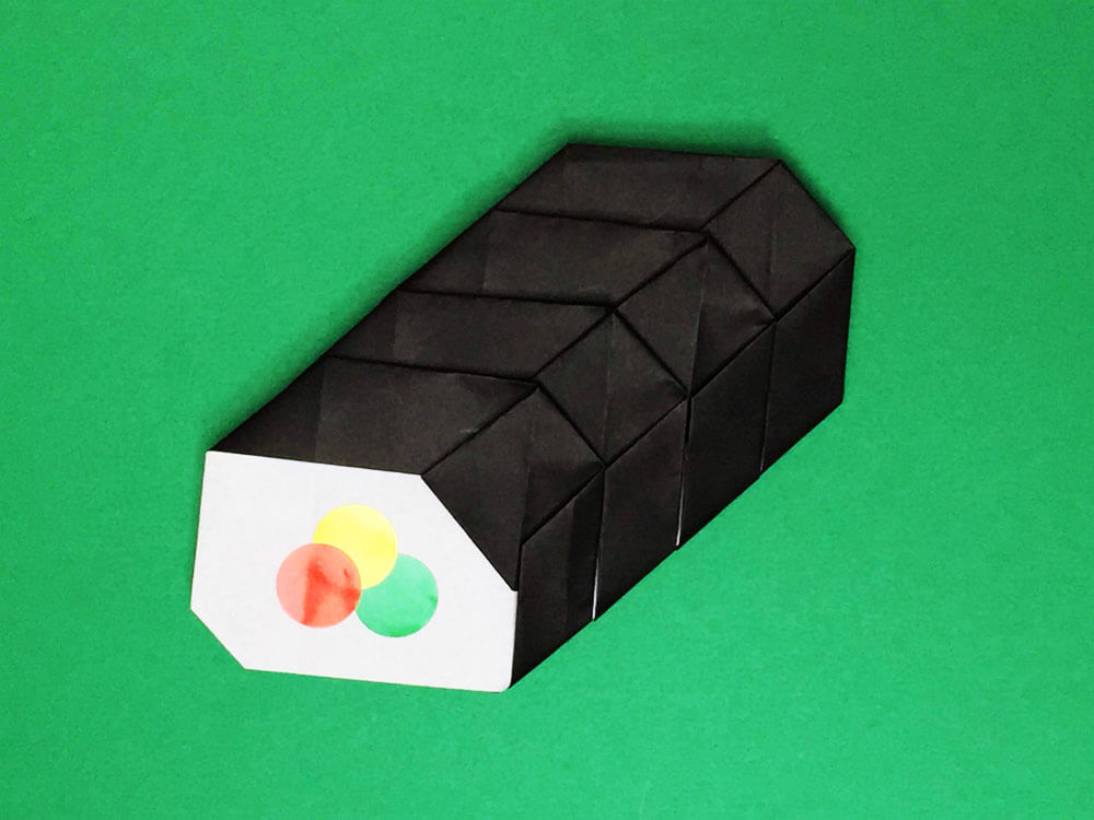 折り紙で折った恵方巻