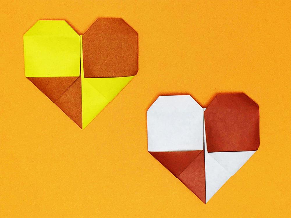 折り紙で折った2色のハート
