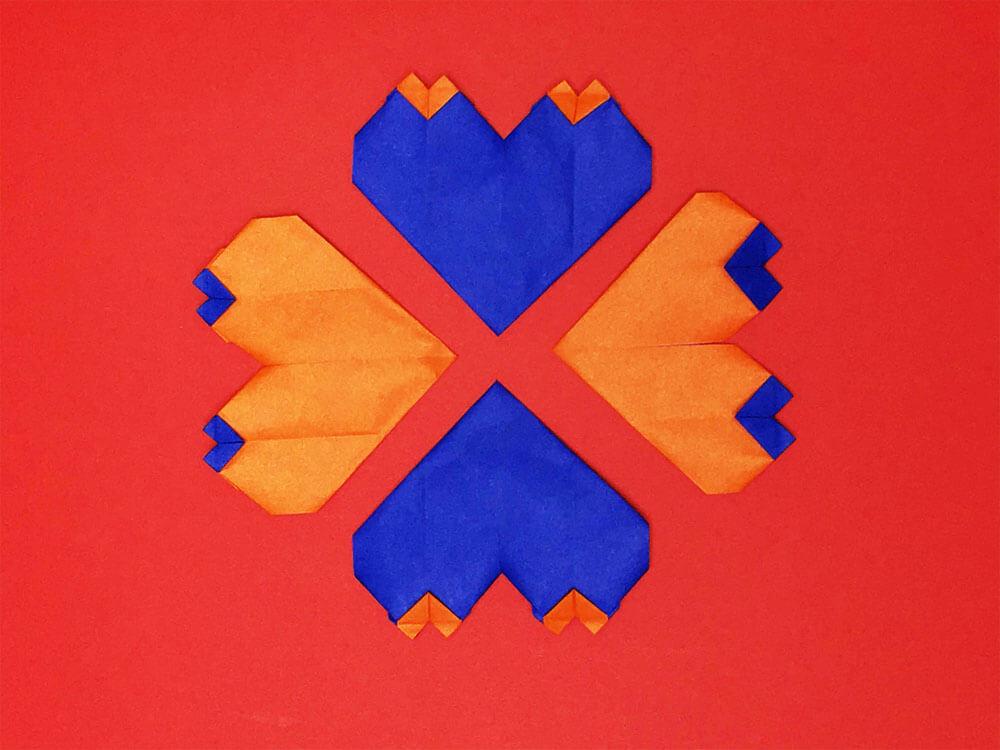 折り紙で折ったハート