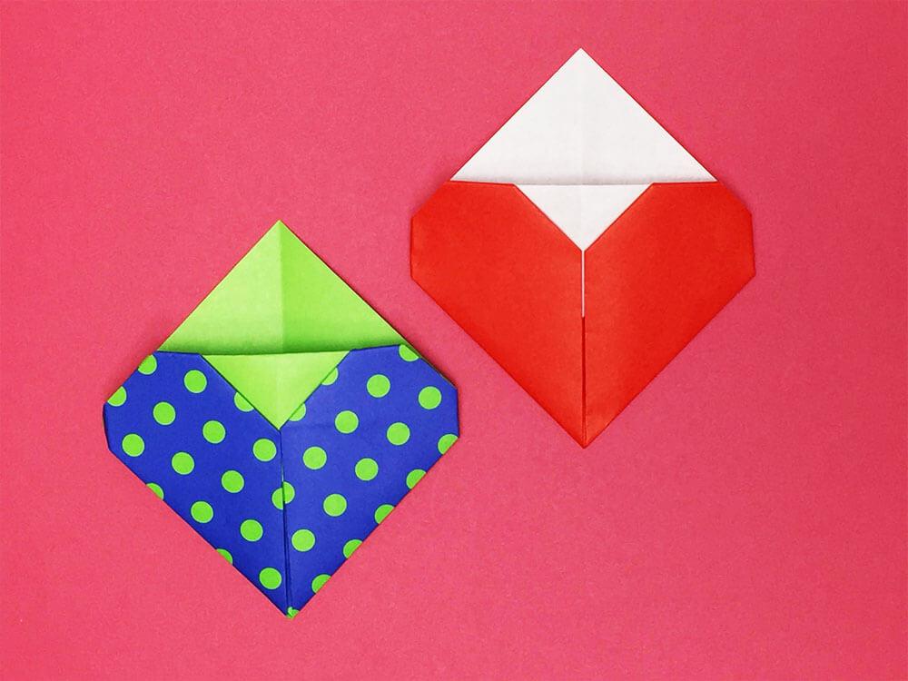 折り紙で折ったポケット付きのハート