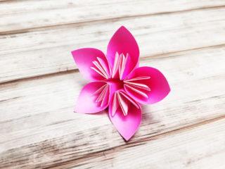桃の花(フラワーくす玉の花)
