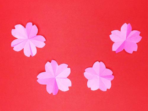 折り紙で折った桜の花
