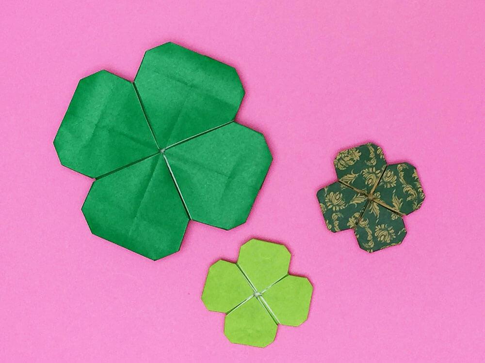 折り紙で折った四つ葉のクローバー