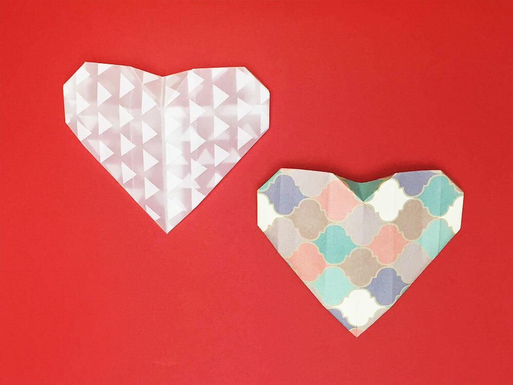 折り紙で折ったハートの封筒