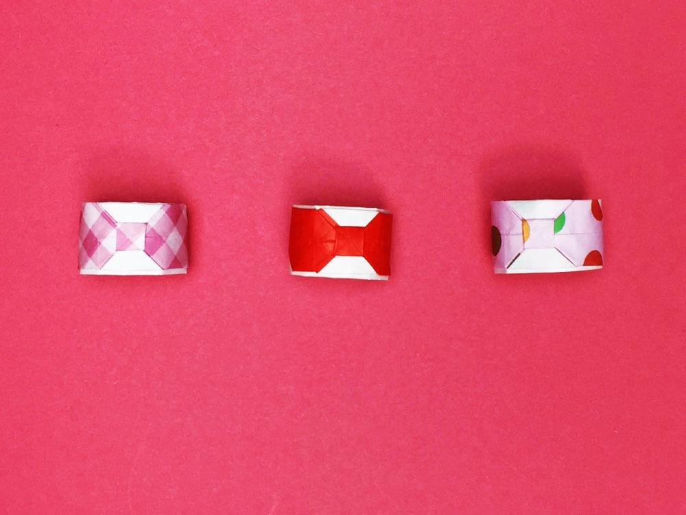 折り紙で折ったリボンの指輪