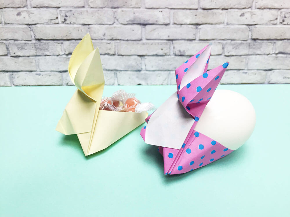 折り紙で折ったウサギのエッグスタンド