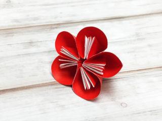 折り紙で折った梅の花