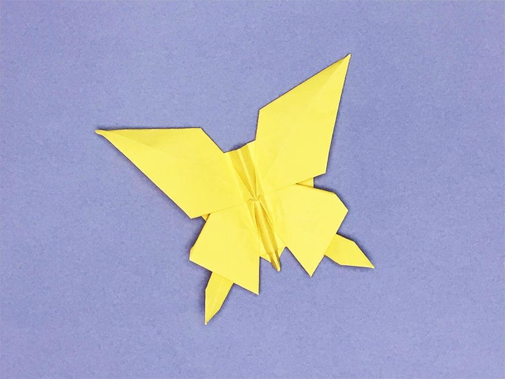 折り紙で折ったちょうちょ