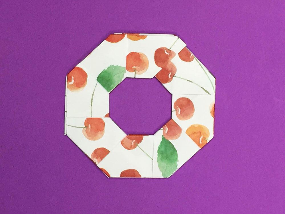 折り紙で折ったリース