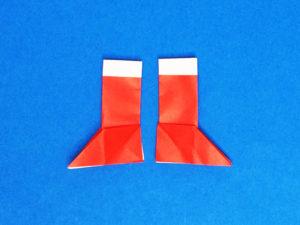 折り紙で折ったサンタブーツ