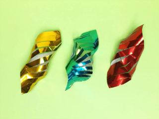 折り紙で折った貝飾り