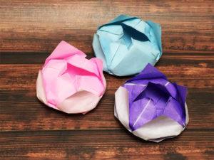 折り紙で折った蓮の花