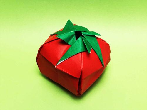 折り紙で折ったトマト