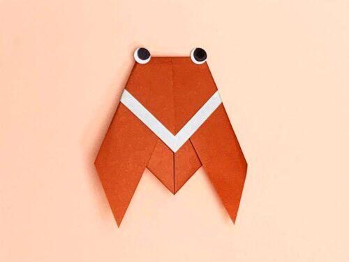 折り紙で折ったセミ