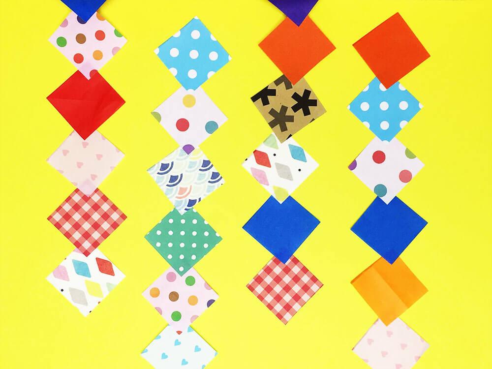 折り紙で折った菱形つづり