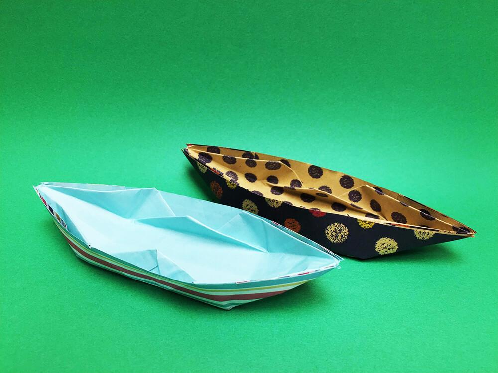 折り紙で折ったボート