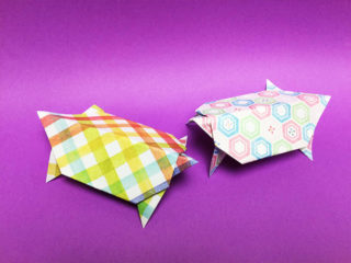 折り紙で折ったカメ
