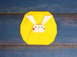 折り紙で折った満月うさぎ