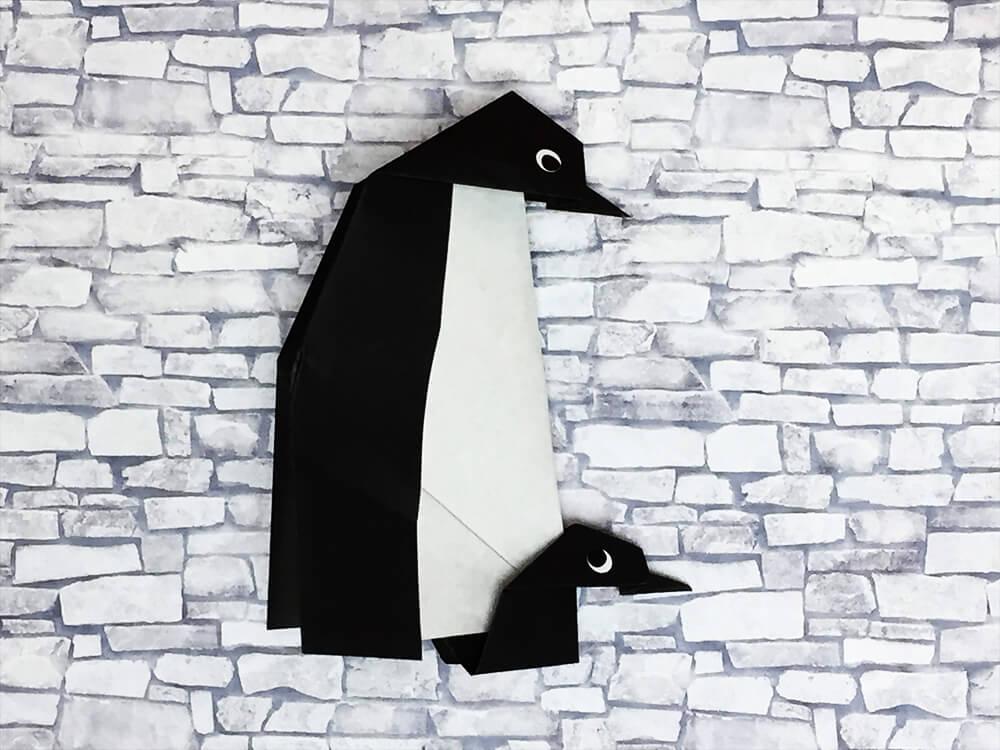 折り紙で折ったペンギンの親子