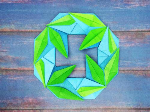 折り紙で折った笹の葉リース