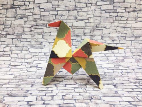 折り紙で折った馬