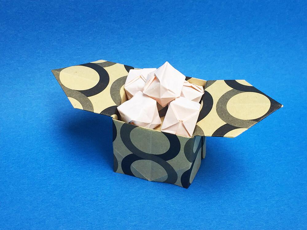 折り紙で折ったお月見だんご