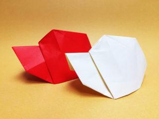 折り紙で折った赤白帽