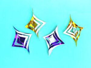 折り紙で作った星の飾り