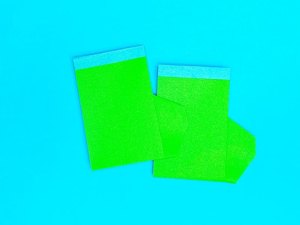 折り紙で折った長靴