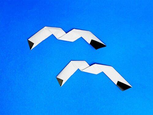 折り紙で折ったカモメ